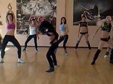 Красиво танцуют (рага).mp4